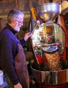 richard-with-freshly-roasted-coffee